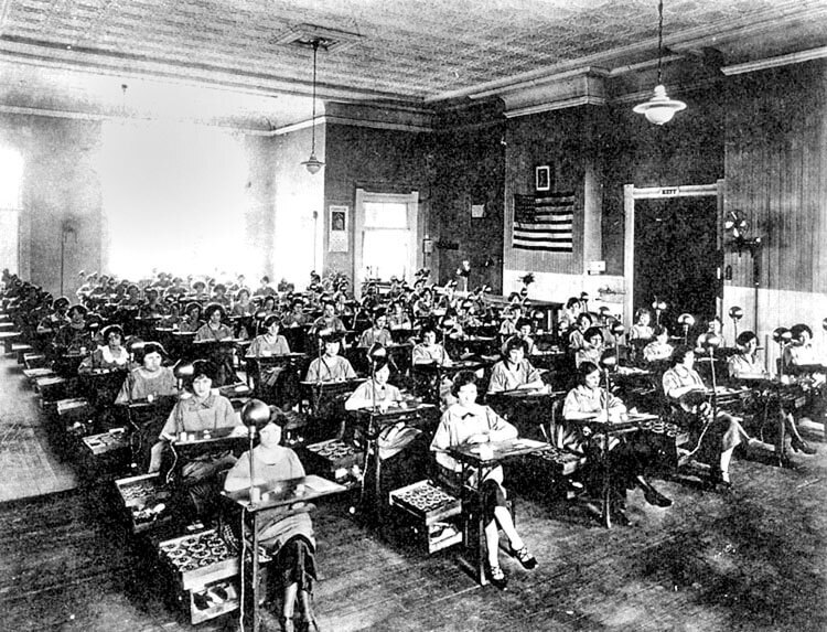 Radium Watch Dials And Radium Girls: Who Would Have Thought 'Eating' Radioactive Material Was Deadly? - Reprise   Quill & Pad